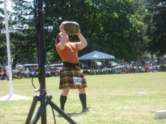 Rockin' a Kilt helps with the Overhead Press!
